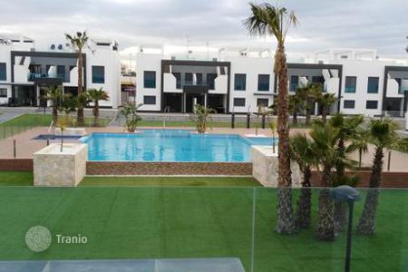 Coastal residential for rent in Costa Blanca. Terraced house – Orihuela Costa, Valencia, Spain