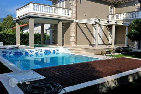 Luxury 4 bedroom houses for sale in Tuscany. Villa – Marina di Pietrasanta, Tuscany, Italy