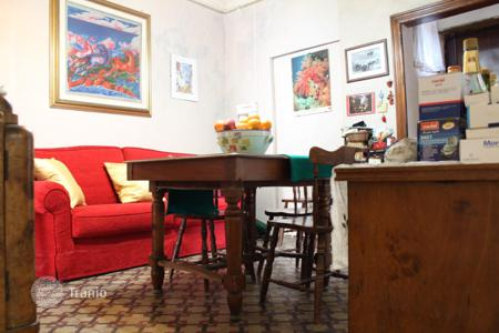 Residential for sale in Catania. Apartment with 3 bedrooms in the center of Catania and a few steps from the Villa Bellini, Sicily