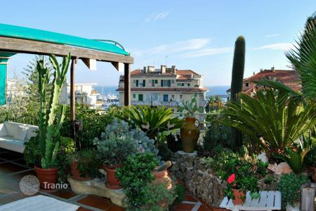 Coastal penthouses for sale in Sanremo. Charming penthouse with terrace-garden and panoramic views of San Remo and the sea
