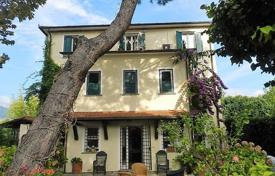 5 bedroom houses for sale in Lucca. Villa – Forte dei Marmi, Tuscany, Italy