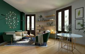 2 bedroom apartments for sale in L'Eixample. Stylish apartment with a balcony, in a building with an elevator, in a prestigious district of Eixample, Barcelona, Spain