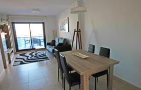 Cheap 2 bedroom apartments for sale in Benidorm. Apartment with a large terrace, in a residential complex with a pool, 400 meters from the sea, Benidorm, Alicante, Spain. Attractive offer!