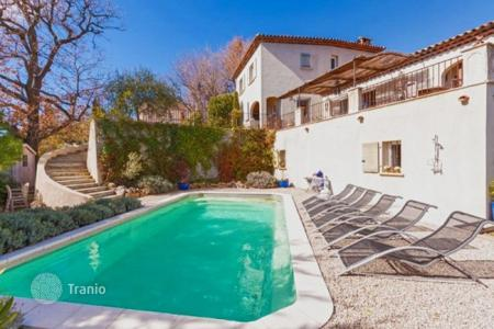 Houses for sale in Cabris. Villa – Cabris, Côte d'Azur (French Riviera), France