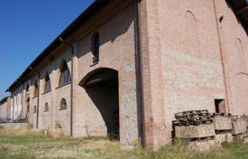 Property for sale in Voghera. Farm in Voghera, Italy