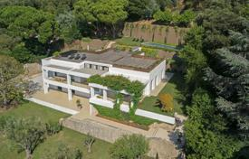 5 bedroom houses for sale in Côte d'Azur (French Riviera). Cannes — Californie — Contemporary villa