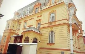 Property for sale in Karlovy Vary Region. Comfortable apartment in an old building in the center of the spa town of Marianske Lazne