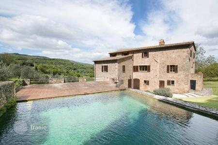 Luxury 6 bedroom houses for sale in Tuscany. Old villa built on Roman walls with stone swimming pool and olive trees, 5 minutes from the center of Sarteano, Tuscany, Italy