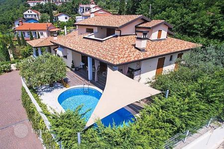 5 bedroom houses by the sea for sale in Ičići. Furnished villa with pool and large terrace, near the sea, Icici, Croatia