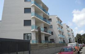 Foreclosed 4 bedroom apartments for sale in Costa Brava. Apartment – Lloret de Mar, Catalonia, Spain