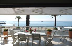 3 bedroom apartments for sale in Vallauris. Apartment-villa on the roof with a terrace and a sea view, Vallauris, France