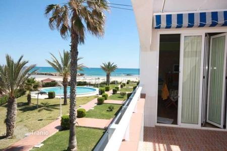 Apartments with pools for sale in Cabo Roig. Apartment – Cabo Roig, Valencia, Spain