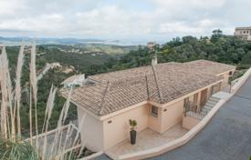 3 bedroom houses for sale in Castell Platja d'Aro. Comfortable villa with a terrace and panoramic views of the sea and mountains, Castell Platja d'Aro, Spain