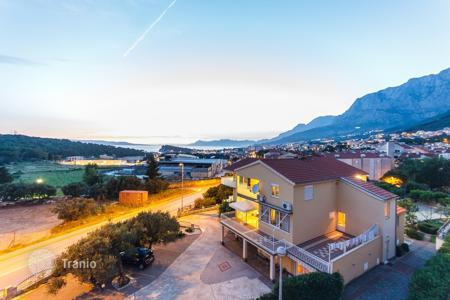 Coastal apartments for sale in Split-Dalmatia County. Two bedroom apartment in Makarska