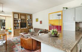1 bedroom apartments for sale in Paris. Paris 6th District – A near 50 m² pied a terre