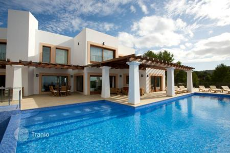 Property to rent in Spain. Duplex villa with pool, garden and terrace with sea views for rent in Cala Tarida, Ibiza, Spain