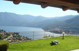 Houses with pools for sale in Lombardy. Villa – Lake Como, Lombardy, Italy