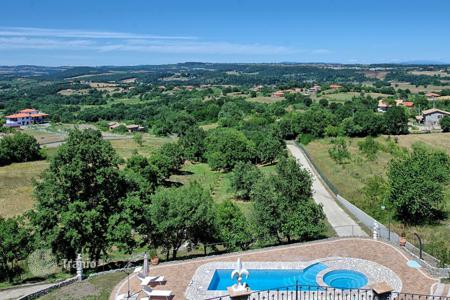 Villas and houses for rent with swimming pools in Lazio. Villa – Montefiascone, Lazio, Italy
