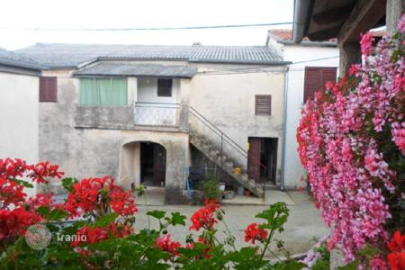 Property for sale in Buzet. House House with a large garden