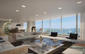 Luxury 1 bedroom apartments for sale overseas. Apartments with large balconies and panoramic views in an oceanfront residence with pools, jacuzzis and a cinema, Bal Harbour, USA