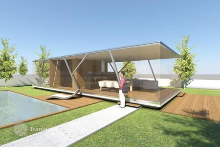 Houses for sale in Nazaré. Innovative proposal — building of houses in Lisbon to order