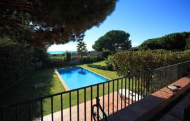 Luxury 6 bedroom houses for sale in Sant Vicenç de Montalt. Detached property with sea views in Sant Vicenç de Montalt