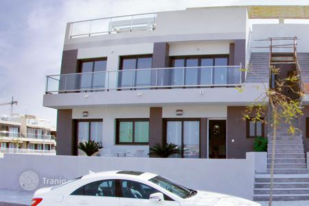 Coastal apartments for sale in Mil Palmeras. Ground floor apartment 100 meters from the beach of Mil Palmeras