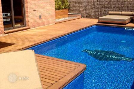 Coastal houses for sale in Costa Dorada. Townhome - Calafell, Catalonia, Spain