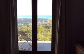 Property for sale in Vence. Family villa with spectacular sea views