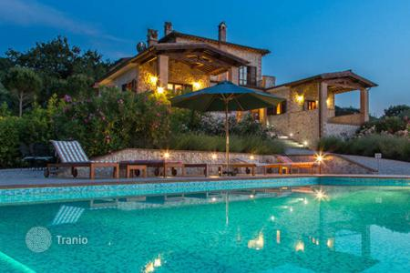 5 bedroom houses for sale in Umbria. Luxury Villa with plot, swimming pool and forest view, Terni, Italy