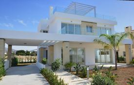 Coastal property for sale in Paralimni. Villa – Paralimni, Famagusta, Cyprus