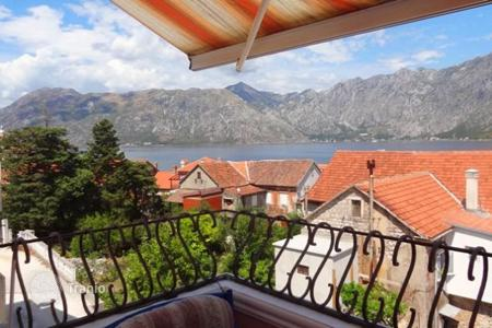 1 bedroom apartments for sale in Prčanj. Comfortable apartment 50m from the sea, Prcanj, Montenegro