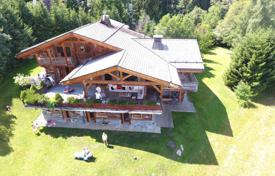 Property for sale in Haute-Savoie. Large cottage with a beautiful view of the mountains, Combloux, France