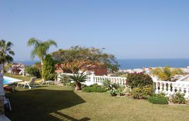 Luxury 4 bedroom houses for sale in Canary Islands. Villa – Adeje, Canary Islands, Spain