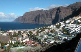 Cheap property for sale in Tenerife. Apartment – Los Gigantes, Canary Islands, Spain