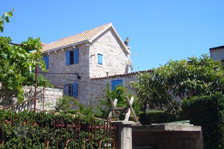 Coastal residential for sale in Betina. The luxurious 400-year-old stone house in the concrete on the island Murter, Croatia. Reduced price!