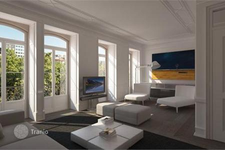 Luxury residential for sale in Lisbon (city). Two-bedroom apartment in Lisbon overlooking the Tagus River, in a historic building