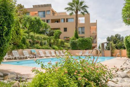 Coastal buy-to-let apartments in Cannes. Apartment – Cannes, Côte d'Azur (French Riviera), France