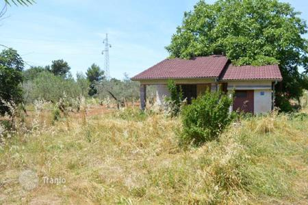 Cheap houses for sale in Istria County. House The plot with the object near Banjole!