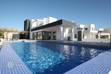4 bedroom houses for sale in Calpe. VILLA IN CALPE