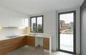 New homes for sale in Catalonia. Three bedroom apartment in a new house with a swimming pool in Barcelona, district of Les Corts