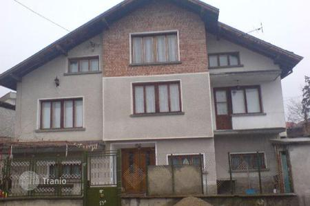 2 bedroom houses for sale in Sofia region. Detached house - Ihtiman, Sofia region, Bulgaria