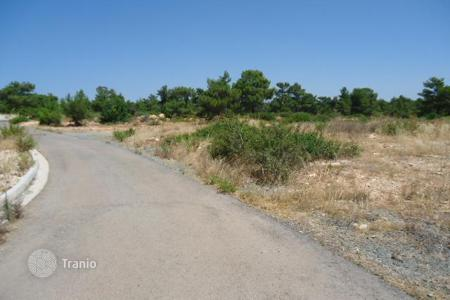 Land for sale in Souni-Zanakia. Building Plot
