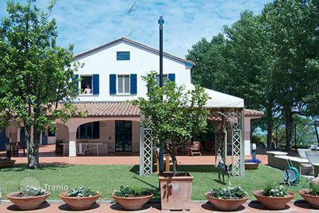 Villas and houses to rent in Pesaro. Villa Giulia