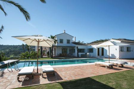 Luxury houses with pools for sale in Istán. Villa – Istán, Andalusia, Spain