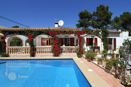 Villas and houses for rent with swimming pools in Majorca (Mallorca). Villa with fruit garden, swimming pool near the beach in Cala San Vicente, Mallorca, Balearic Islands, Spain