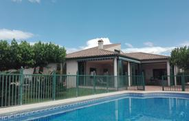 Property for sale in Sevilla. Villa – Sevilla, Andalusia, Spain