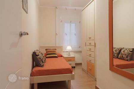 Cheap 2 bedroom apartments for sale in Barcelona. Apartment of 68 m² with 2 bedrooms
