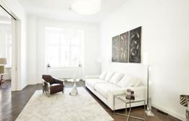Luxury apartments for sale in Germany. Six-room apartment in a historic building in the Wilmersdorf district of Berlin