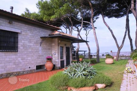 4 bedroom houses for sale in Tuscany. Luxury villa with private access to the beach in Porto Santo Stefano, Italy